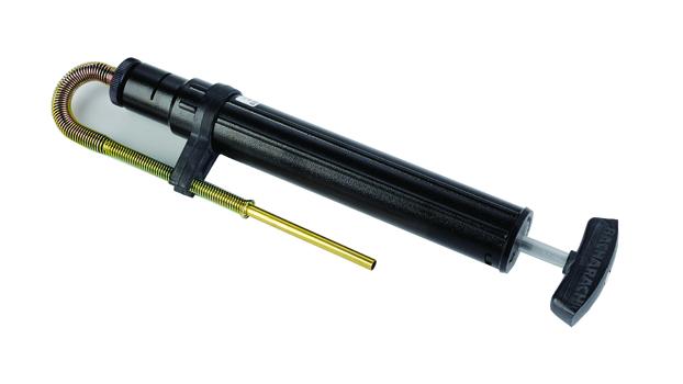 Pompa manuale per nerofumo